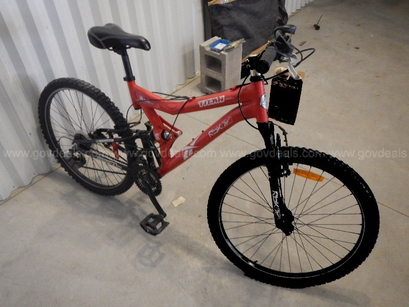 RBK Titan Mountain Bike, 21 speed.
