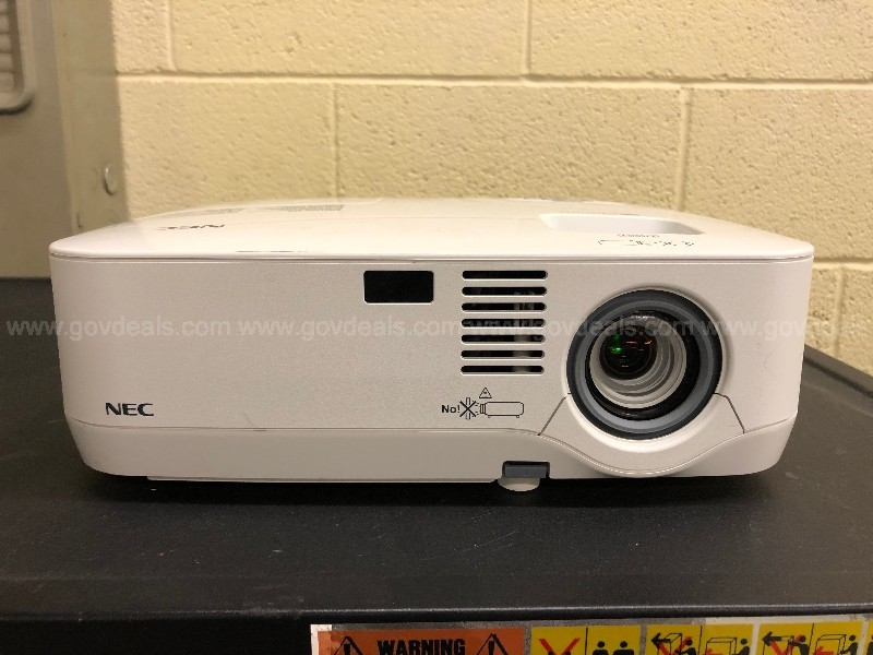 Multimedia LCD Projector - NEC NP610