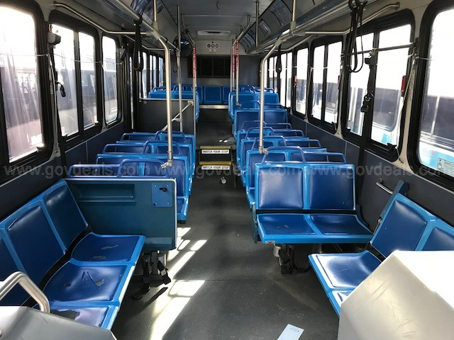 2002 Gillig Transit Bus (#916) - running when taken out of service