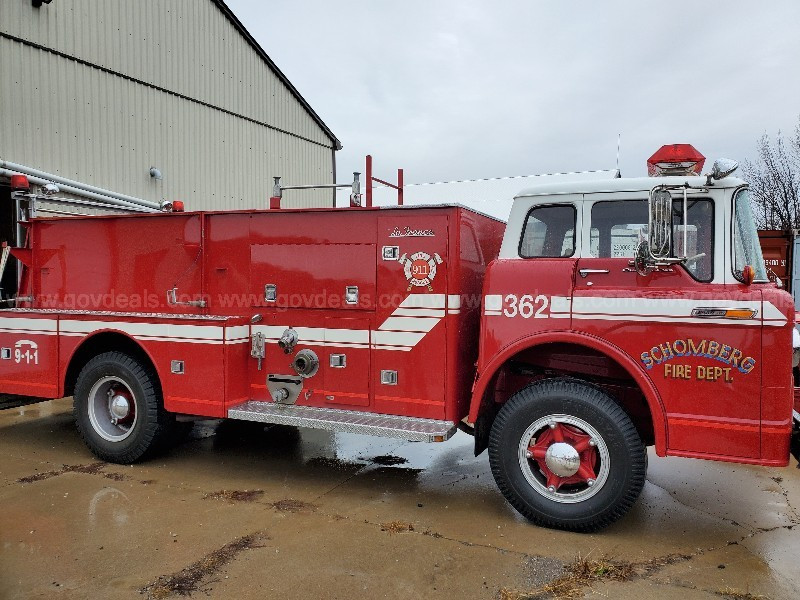 1969 Ford C750 Fire Truck