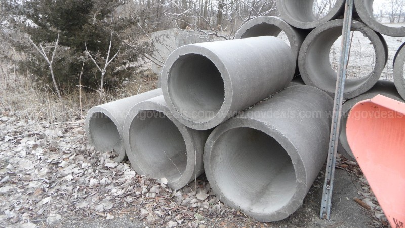 Lot of Cylindrical Concrete Tile