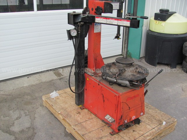 Snap-On Tire Machine